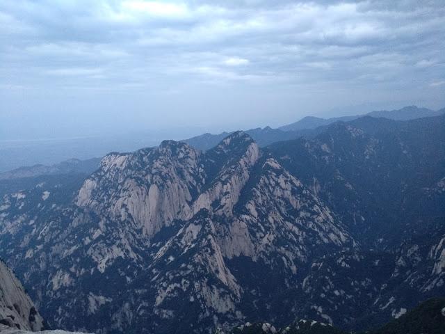 走!跟我一起去夜爬天下第一險的華山(下)
